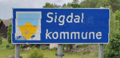 Skjeive skilt i Sigdal